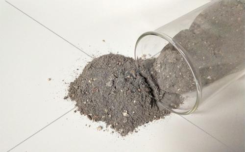 低水泥浇注料