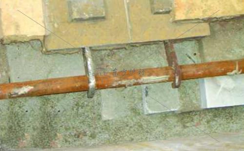 造成锅炉炉外管泄露主要的原因是什么?