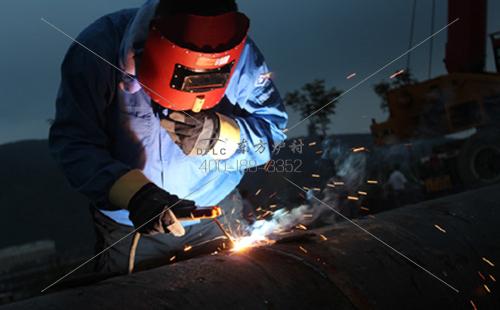 炉膛受热面用耐磨耐火浇注料磨损解决方案