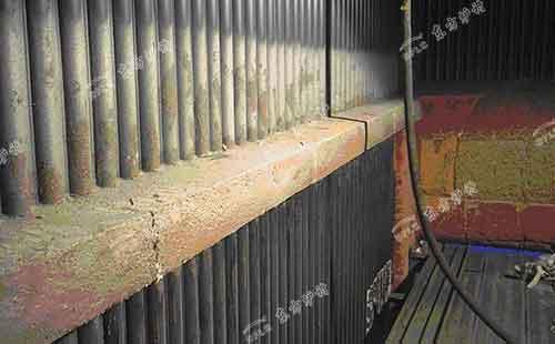 循环流化和粗昂锅炉设计防磨梁
