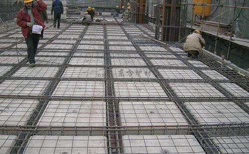 耐火水泥浇注料的水泥用量能随意添加吗
