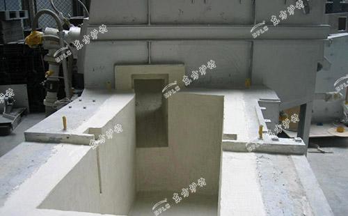 循环流化床锅炉用高强耐磨耐火浇注料施工