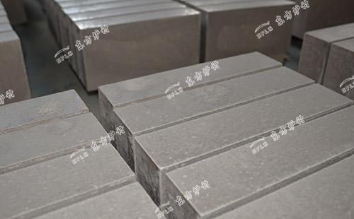 耐酸浇注料与耐酸砖的区别