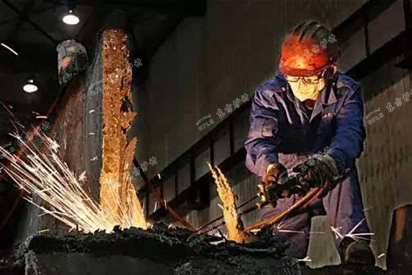 熔铝炉用耐火材料
