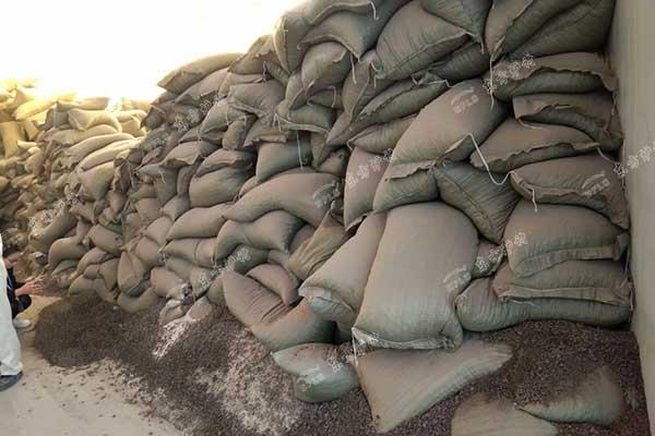 不定形耐火材料施工技术要求决定耐火材料种类