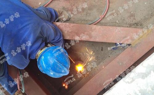高铝浇注料浇注的时候应注意事项